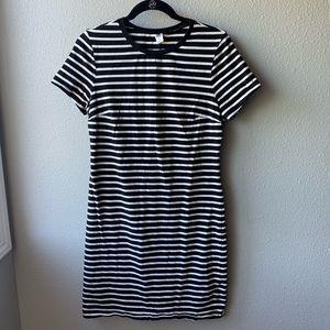 Old Navy t-shirt dress black white stripe M shift
